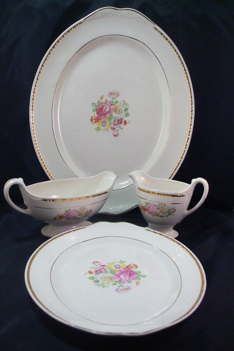 47 Piece Set Includes 3 Complete 6 Piece Place Settings and Serving Pieces